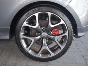 Opel Corsa GSi - Image 10