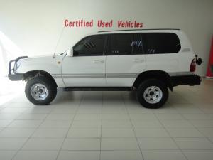Toyota Land Cruiser 100 V8 automatic - Image 4