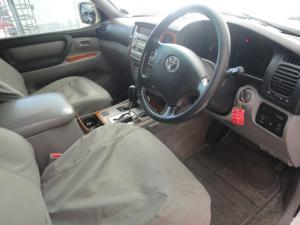 Toyota Land Cruiser 100 V8 automatic - Image 5