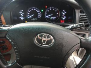 Toyota Land Cruiser 100 V8 automatic - Image 8