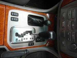 Toyota Land Cruiser 100 V8 automatic - Image 9