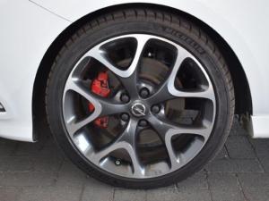 Opel Corsa GSi - Image 11