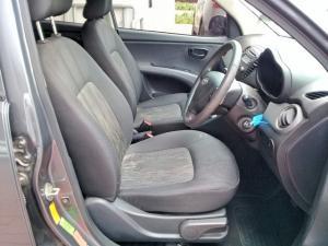 Hyundai i10 1.1 GLS - Image 7