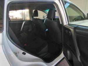 Toyota RAV4 2.0 GX - Image 4