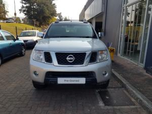 Nissan Navara 2.5dCi double cab 4x4 LE - Image 2