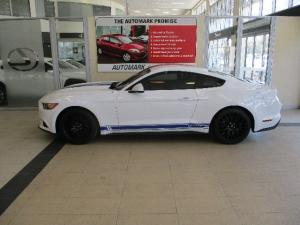 Ford Mustang 2.3T fastback - Image 3