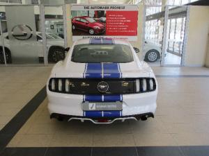 Ford Mustang 2.3T fastback - Image 4