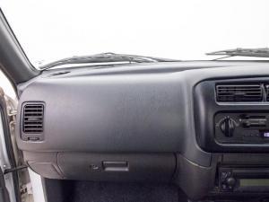 Mitsubishi Colt 2000i Hiline LWBS/C - Image 10
