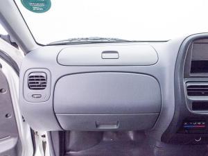Nissan Hardbody NP300 2.0i LWBS/C - Image 11