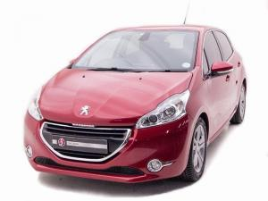 Peugeot 208 Allure 1.2 Puretech 5-Door - Image 2