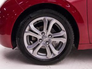Peugeot 208 Allure 1.2 Puretech 5-Door - Image 4