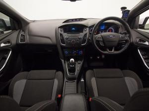Ford Focus 2.0 Ecoboost ST1 - Image 10
