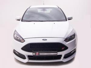 Ford Focus 2.0 Ecoboost ST1 - Image 3