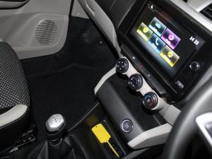 Renault Triber 1.0 Prestige - Image 14