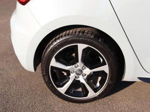 Audi A1 Sportback 1.0 Tfsi S Tronic - Image 13