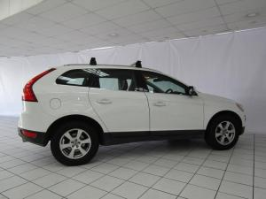 Volvo XC60 D5 Geartronic - Image 3