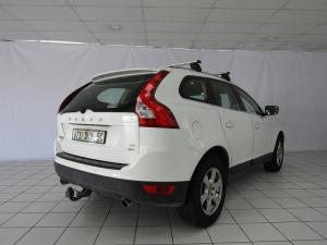 Volvo XC60 D5 Geartronic - Image 4