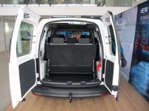 Volkswagen CADDY4 Crewbus 2.0 TDi - Image 9