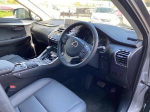Lexus NX 300 EX - Image 4