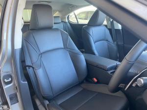 Lexus ES 300h EX - Image 5