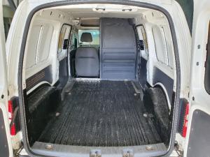 Volkswagen Caddy Maxi 2.0TDI panel van - Image 6