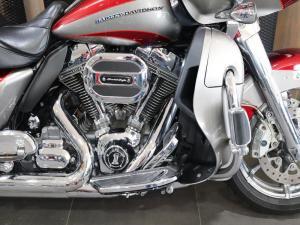 Harley Davidson CVO Road Glide Ultra - Image 2