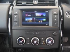 Land Rover Discovery 3.0 TD6 SE - Image 15