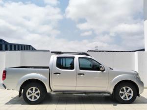 Nissan Navara 2.5dCi double cab LE - Image 2