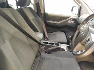 Nissan Navara 2.5dCi double cab LE - Image 4