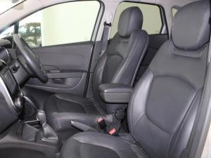 Renault Captur 1.2T Dynamique EDC 5-Door - Image 4