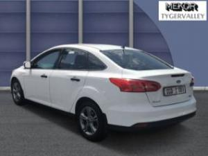 Ford Focus sedan 1.0T Ambiente - Image 3