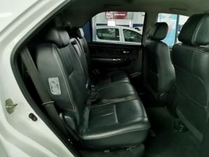 Toyota Fortuner 3.0D-4D 4x4 - Image 5