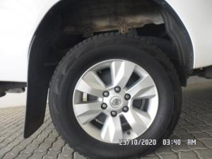 Toyota Hilux 2.4 GD-6 SRX 4X4 automaticS/C - Image 4