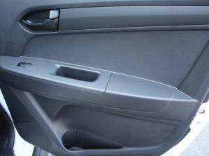 Isuzu D-Max 250 double cab Hi-Ride auto - Image 8