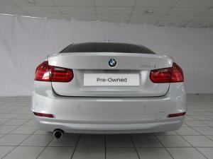 BMW 320i automatic - Image 11