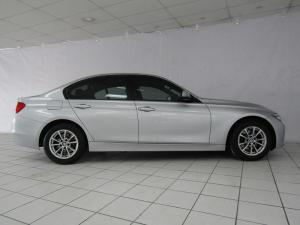 BMW 320i automatic - Image 3