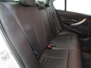 BMW 320i automatic - Image 8