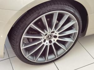 Mercedes-Benz E 200 Coupe - Image 19