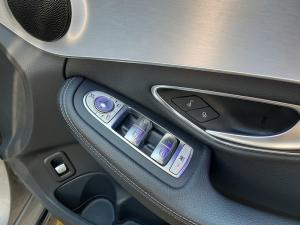 Mercedes-Benz C-Class C180 - Image 12