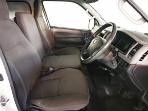 Toyota Quantum 2.7 panel van - Image 7