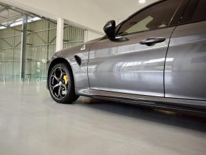 Alfa Romeo Giulia Quadrifoglio Race Edition - Image 2