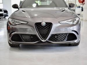Alfa Romeo Giulia Quadrifoglio Race Edition - Image 5