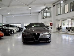 Alfa Romeo Giulia Quadrifoglio Race Edition - Image 6