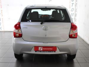 Toyota Etios hatch 1.5 Xi - Image 16