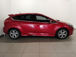 Ford Focus hatch 2.0 Sport - Image 2