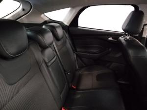 Ford Focus hatch 2.0 Sport - Image 6