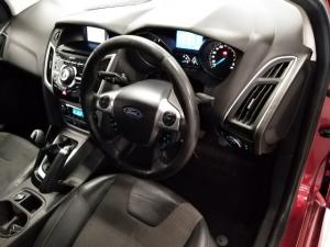 Ford Focus hatch 2.0 Sport - Image 8