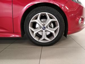 Ford Focus hatch 2.0 Sport - Image 9
