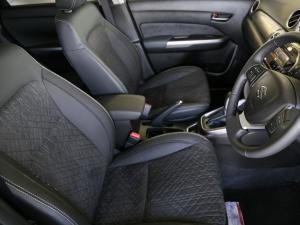 Suzuki Vitara 1.6 GLX automatic - Image 7