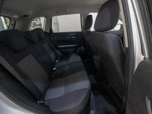 Suzuki Vitara 1.6 GLX automatic - Image 8